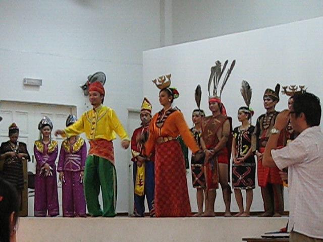 Bajau Limbai dancers